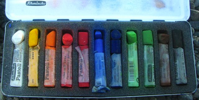 The set of 11 Schminke pastels