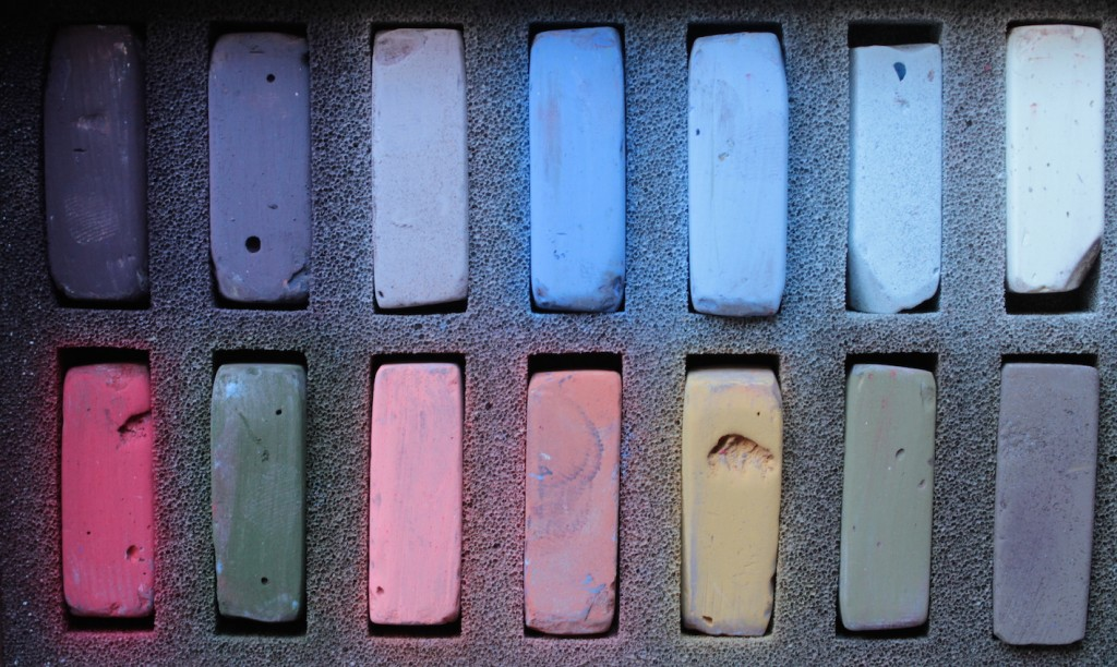 Limited Palette: Terry Ludwig's Best Loved Basics Set of 14 pastels
